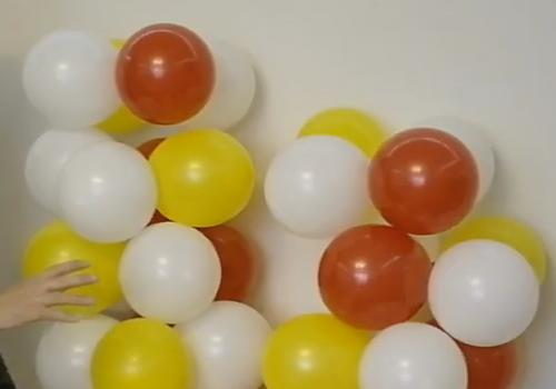 Арка из шаров на леске
